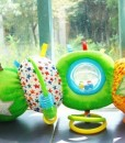 Rainbow designs - the very hungry caterpillar hrajici housenka c
