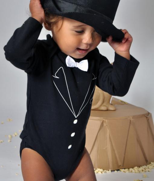 Rockabye Baby body Tuxedo (6 - 12 mesicu) c