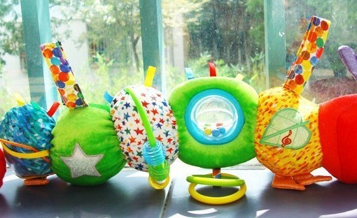 Rainbow designs - the very hungry caterpillar hrajici housenka c