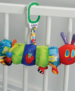 Rainbow Designs - The Very Hungry Caterpillar housenka s aktivitami b