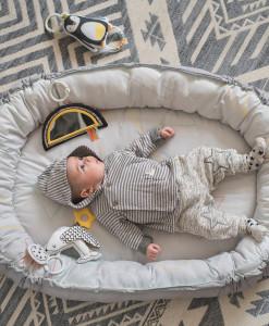 Taf Toys herni deka a hnizdo s hudbou pro novorozence b