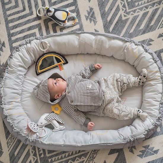 Taf-Toys-herni-deka-a-hnizdo-s-hudbou-pro-novorozence-b1a