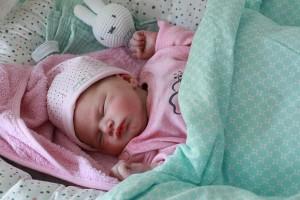 newborn-baby-girl-birth-sleep-sweet-pink-child